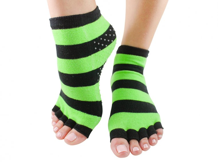 Non-Slip Fitness/Lounge Socks by Toezies - 9