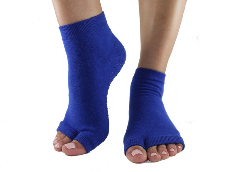 Non-Slip Fitness/Lounge Socks by Toezies - 11
