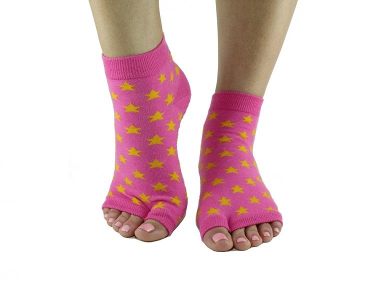 Non-Slip Fitness/Lounge Socks by Toezies - 16