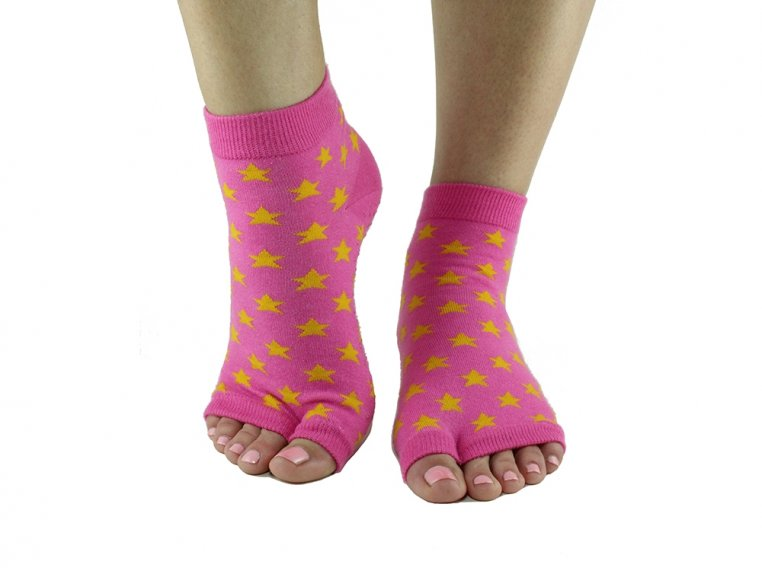 Non-Slip Fitness/Lounge Socks by Toezies - 18