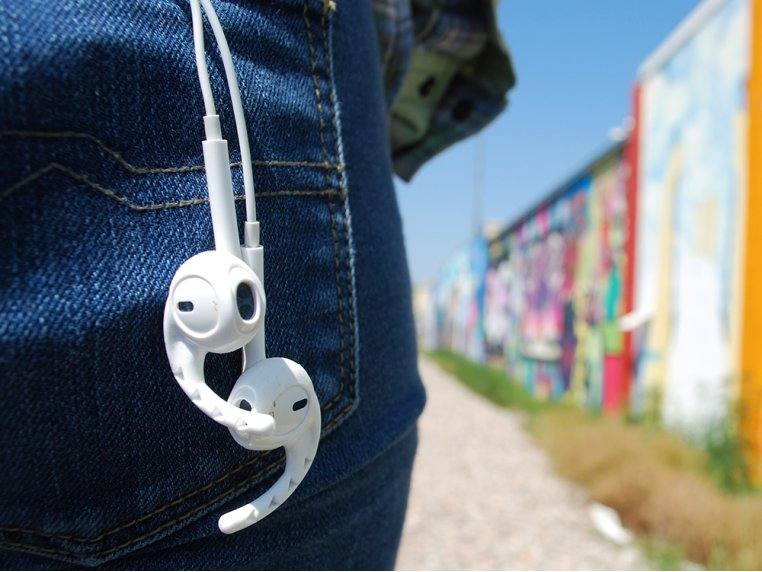 Silicone Earbud Securer by Earhoox - 2