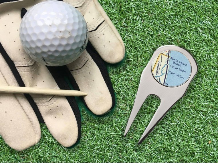 2-in-1 Golf Ball Marker & Divot Tool by CHART Metalworks - 1