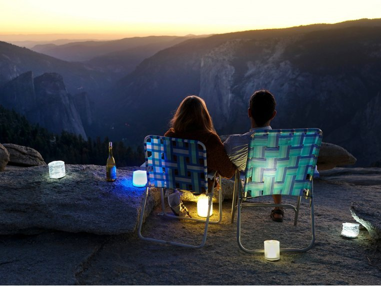 Luci Color: Solar Inflatable Lantern by MPOWERD - 2