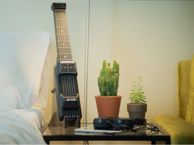 Bluetooth Connected Guitar Trainer by Jamstik - 2