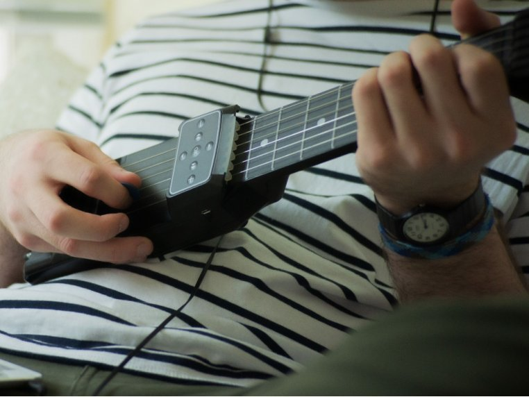 Bluetooth Connected Guitar Trainer by Jamstik - 1