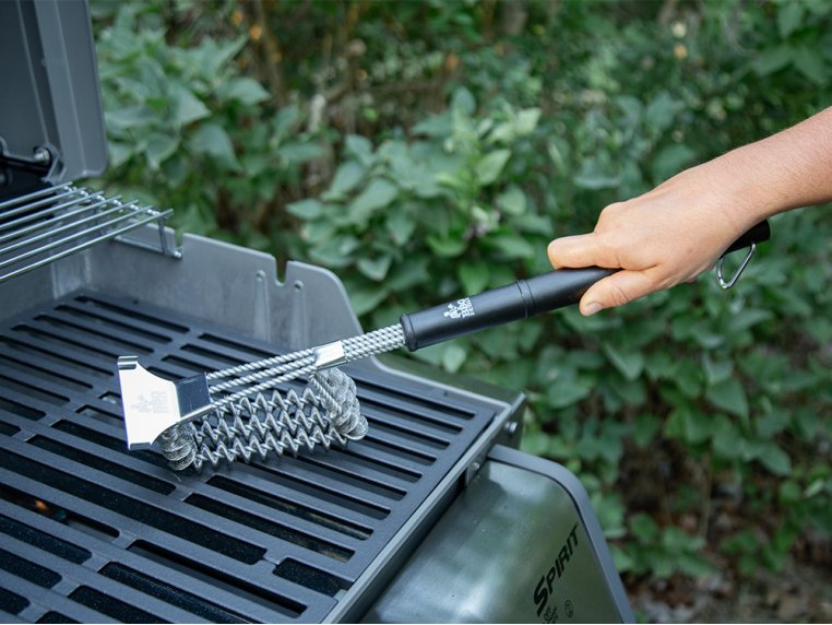Stainless Steel Bristleless Grill Brush by BBQ Butler - 2