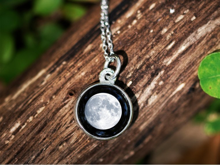 Custom Date Moon Phase Necklace - Simple Design by Moonglow - 2