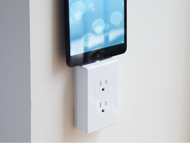 Universal Charging Outlet by thingCHARGER - 4