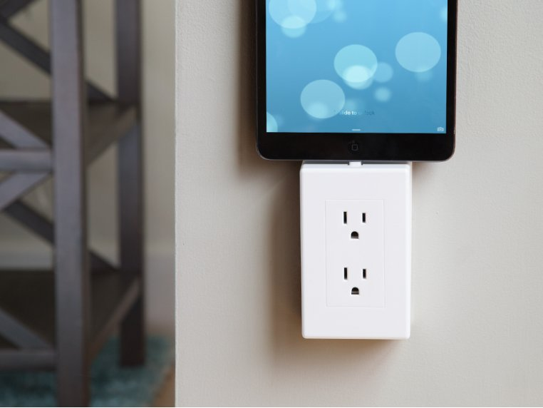 Universal Charging Outlet by thingCHARGER - 1
