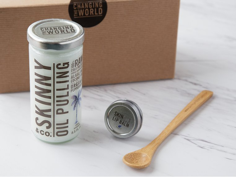 Peppermint Oil Pulling Kit by Skinny & Co. - 1
