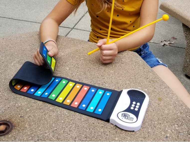 Roll Up Portable 22 Bar Xylophone by Rock and Roll It - 2