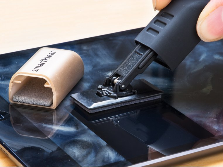 Carbon Smartphone Cleaner by SmartKlear - 1