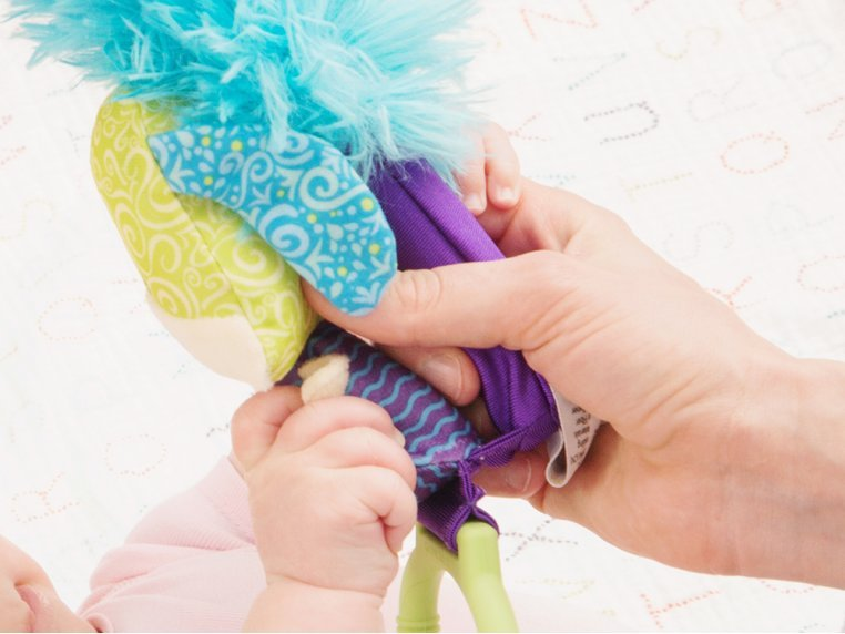Interactive Bonding Toy by Yoee Baby - 4