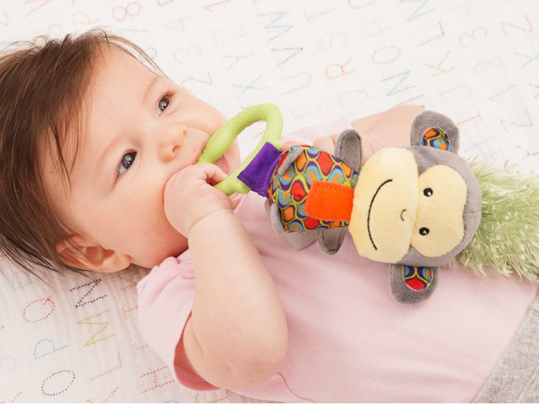 Interactive Bonding Toy by Yoee Baby - 3