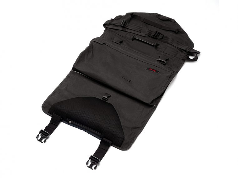 Roll-Up Suit & Garment Messenger Bag by Henty - 3