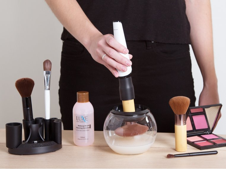 Makeup Brush Cleaner by Luxe - 2