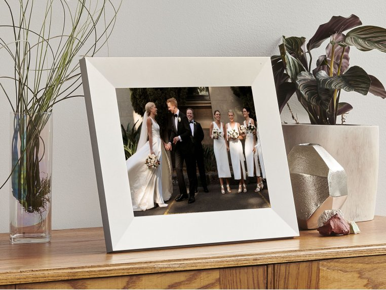 Sawyer Smart Connected Picture Frame by Aura - 5