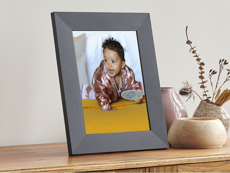 Sawyer Smart Connected Picture Frame by Aura - 2