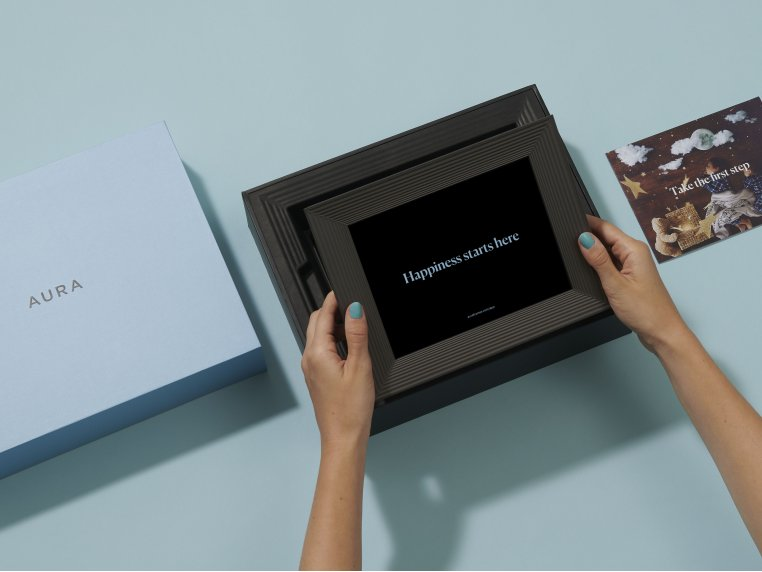 Mason Smart Connected Picture Frame by Aura - 3