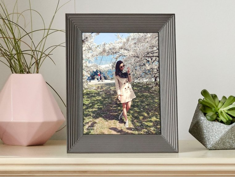 Basic Smart Connected Picture Frame by Aura - 5