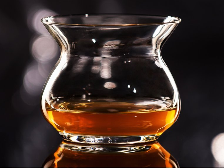 Aroma-Enhancing Spirits Glass by The Artisan NEAT Glass - 3