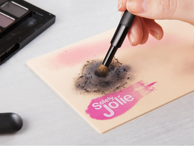 Waterless Makeup Brush Cleaning Pad by Solely Jolie - 2