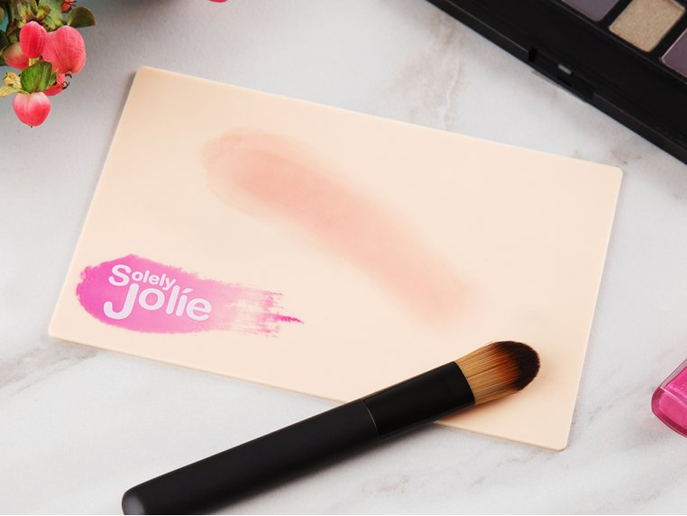 Waterless Makeup Brush Cleaning Pad by Solely Jolie - 1