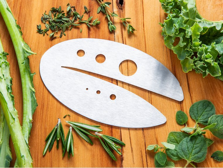 Kale Razor and Herb Stripping Tool by Raw Rutes - 2