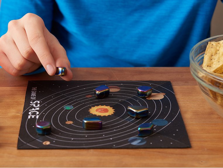 Magnet Strategy Game by The Game of SPACE - 1