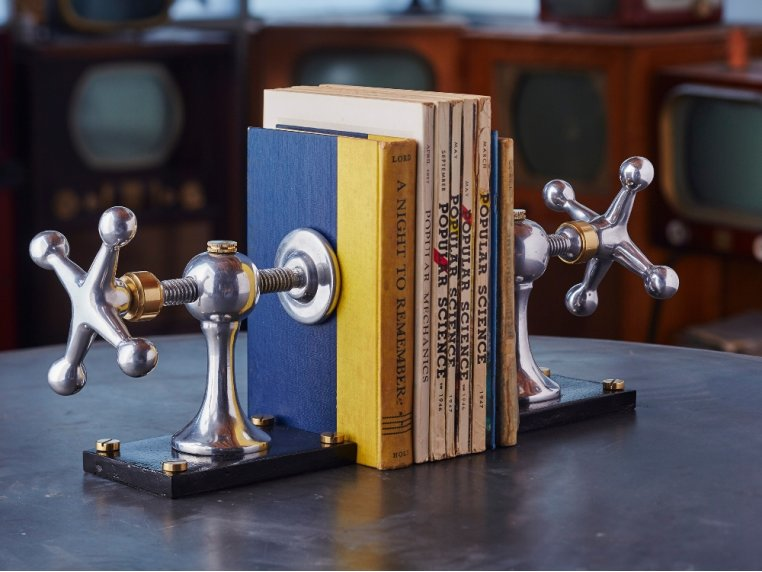 Nostalgic Charm Bookends by Pendulux - 3