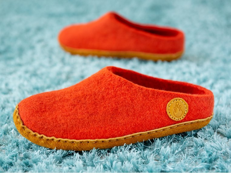 Women's Wool Felt Slippers by NAUSENI - 3