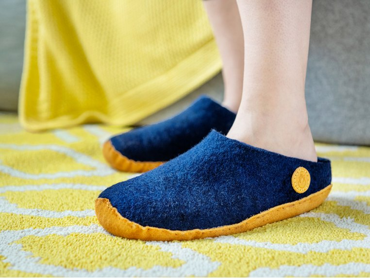 Women's Wool Felt Slippers by NAUSENI - 2