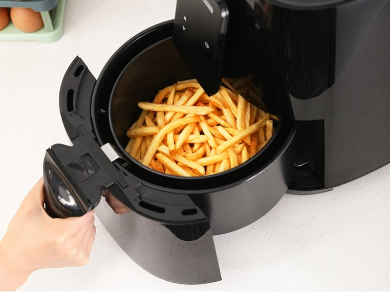 Deluxe Air Fryer by Uber Appliance - 2
