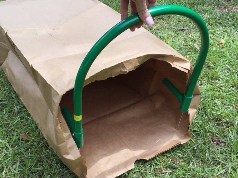 Lawn Bag Holder with Stakes by Leaf Gulp - 3