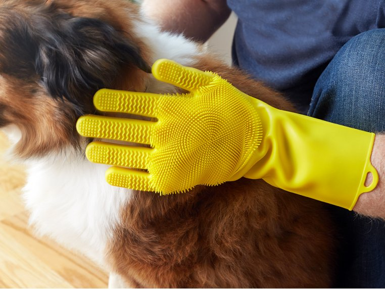 Silicone Pet Grooming Glove by FurZapper - 1