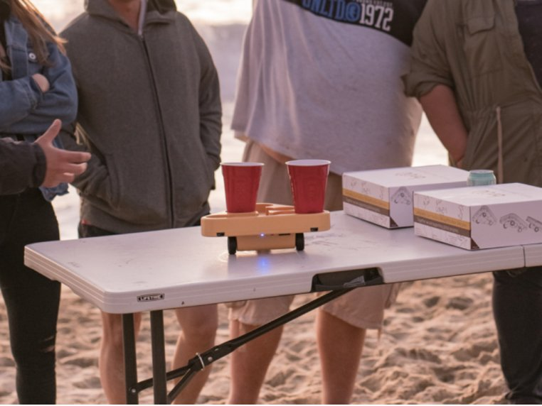 Moving Beer Pong Robot by BRUU - 1