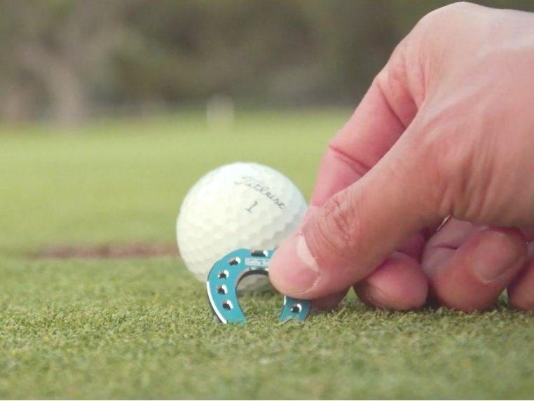 Horseshoe Golf Ball Markers by SELFIE GOLF - 3