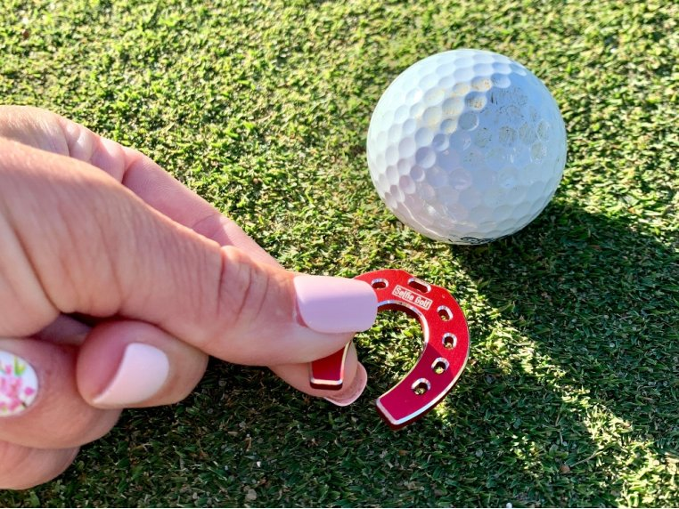 Horseshoe Golf Ball Markers by SELFIE GOLF - 1
