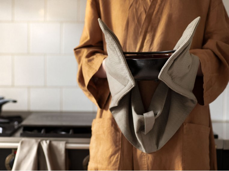 Contemporary Cotton Oven Gloves by The Organic Company - 1