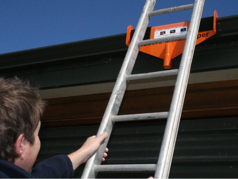 Rooftop Ladder Stabilizer & Standoff by Sargent Consumer Products - 2