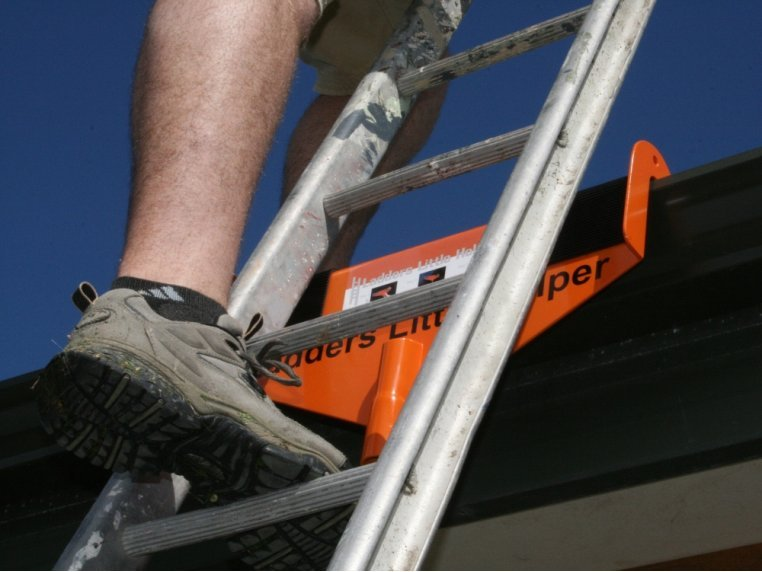Rooftop Ladder Stabilizer & Standoff by Sargent Consumer Products - 3