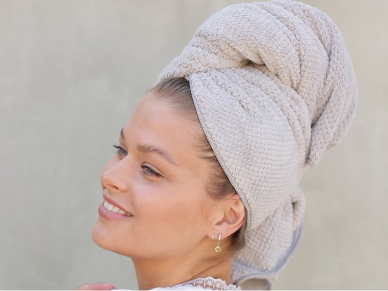 Nanoweave™ Quick Dry Hair Towel by VOLO Beauty - 1