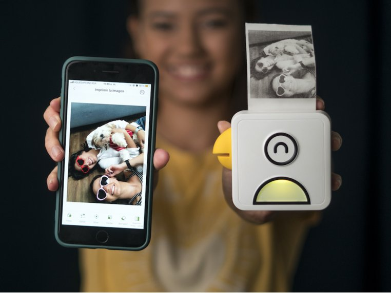 Portable Inkless Photo Printer by Poooliprint - 2