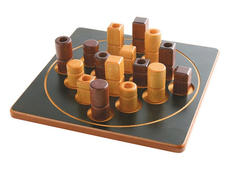 Quarto Wooden Puzzle Board Game by Gigamic - 4