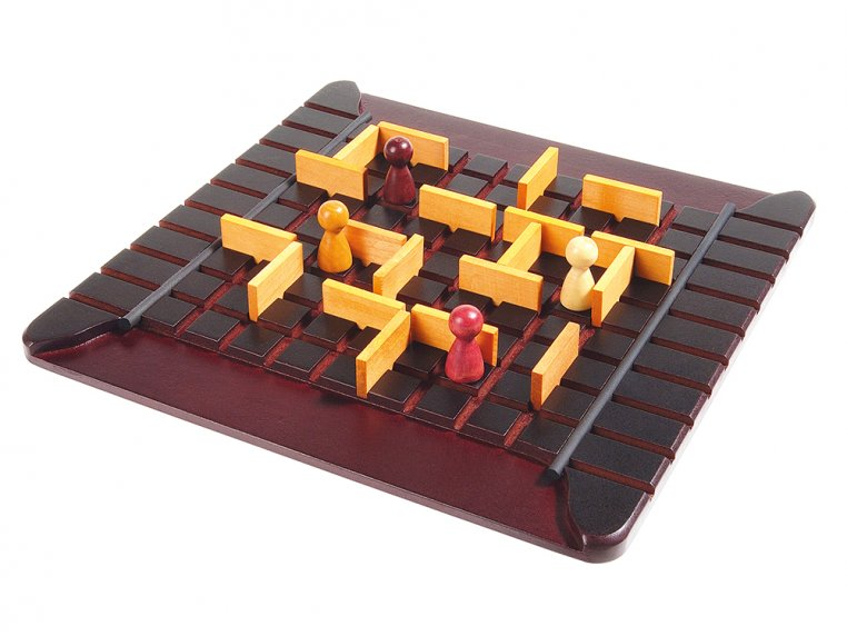 Quoridor Wooden Strategy Game by Gigamic - 4