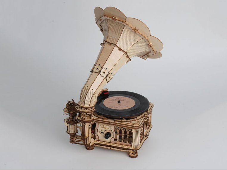 DIY Vintage Record Player by Robotime - 5