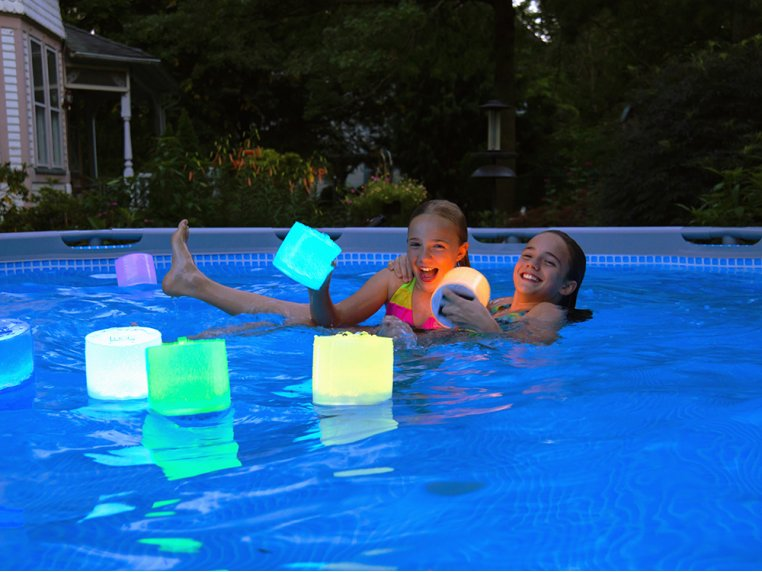 Luci Color: Solar Inflatable Lantern by MPOWERD - 3
