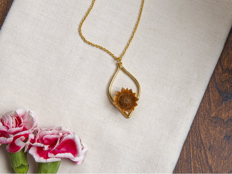 Men/'s Flower Necklace Men/'s Necklace with Flower Charm on Chain of your choice