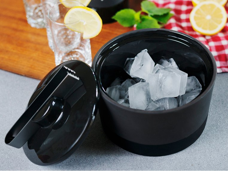 Ice Bucket With Lid & Tongs by Magisso - 2