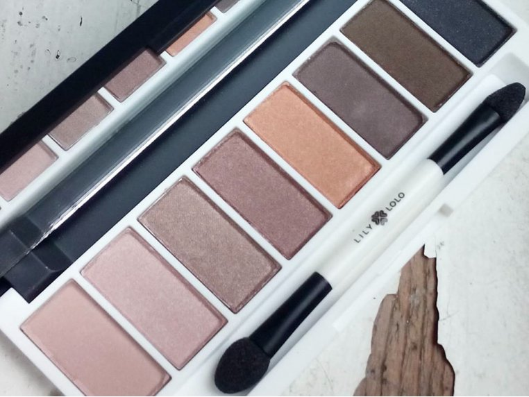 All-Natural Eye Shadow Palette by Lily Lolo - 6